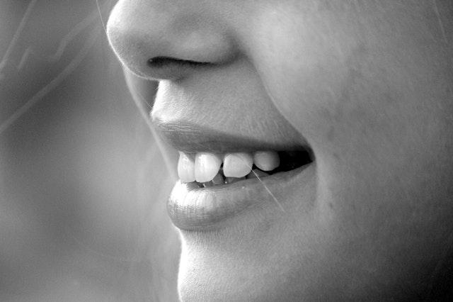 wybielanie zębów domowe sposoby